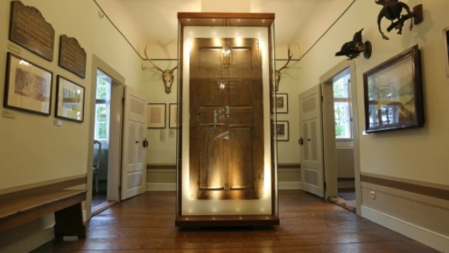 Diele im Obergschoss - Tür des Goethehäuschens