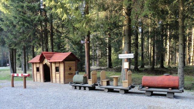 Frauenwald - Spielplatz Laura - Rennsteighöhe