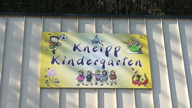 Kneippkindergarten Schild vorne