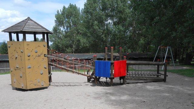 Oberpörlitz - Spielplatz Reiterhof