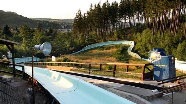 Rennschlittenbahn - Ziel mit Kurve 7