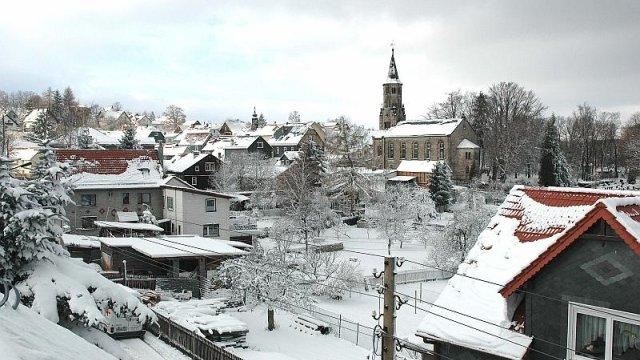 Blick auf Unterpörlitz Richtung Kirche im Winter, Foto: Horst Bradsch