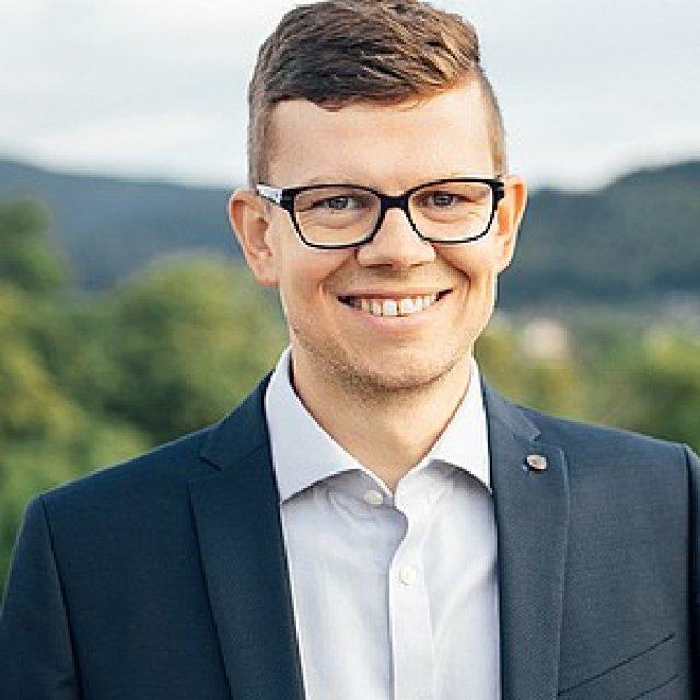 Dr. Daniel Schultheiß