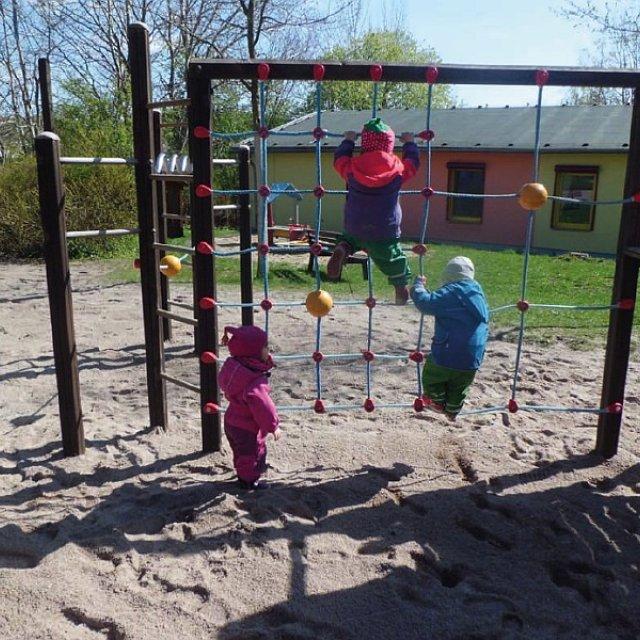Kindergarten Hüttengrund - Das große Kletternetz
