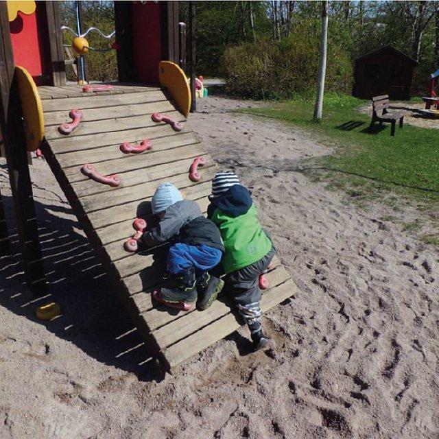 Kindergarten Hüttengrund - Die schräge Wand