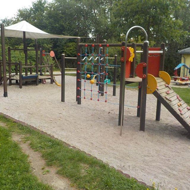 Kindergarten Hüttengrund - Spielanlage mit vielen Möglichkeiten