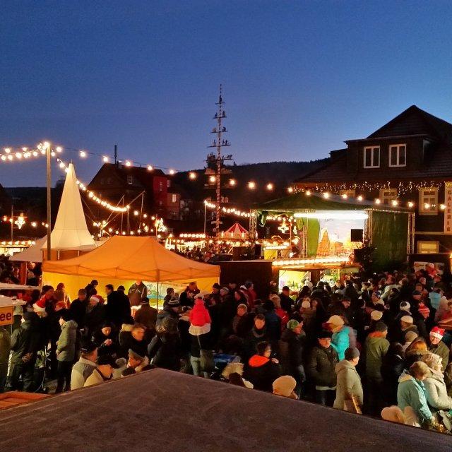 Weihnachtsmarkt Langewiesen Draufsicht