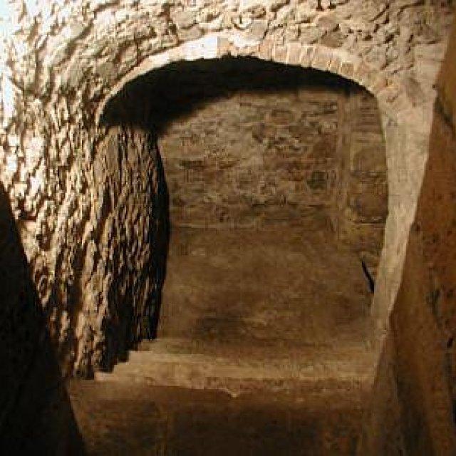 Treppen im Münzkeller