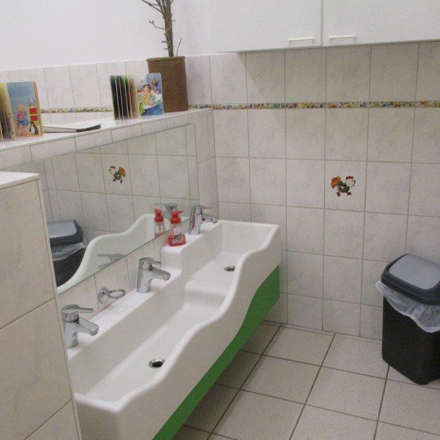 Waschraum der Igelgruppe der Krippe Stephanie