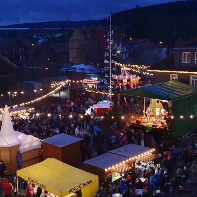 Blick Weihnachtsmarkt Langewiesen 2017