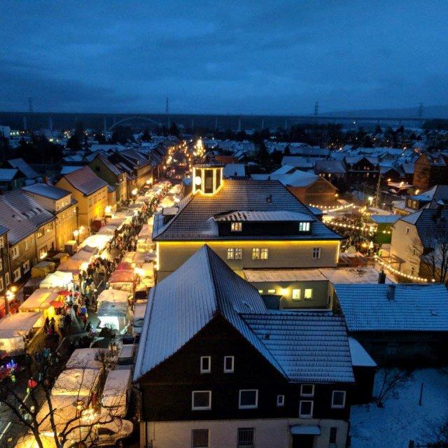 Blick vom Kirchturm Weihnachtsmarkt Langewiesen