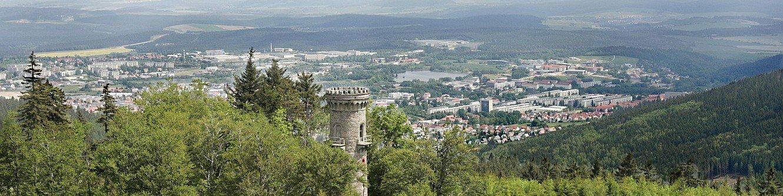 Luftbild mit Kickelhahn und Stadtpanorama von Michael Reichel (ari)
