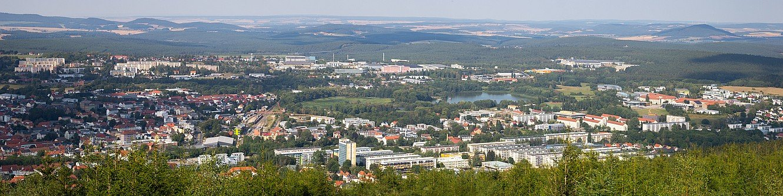 Blick auf Ilmenau vom Aussichtsturm auf dem Lindenberg