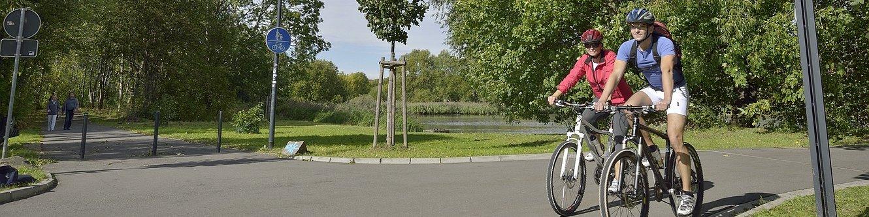 Radler im Teichgebiet