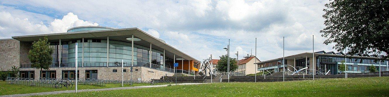 Campus der TU Ilmenau mit Humboldtbau und Newtonbau