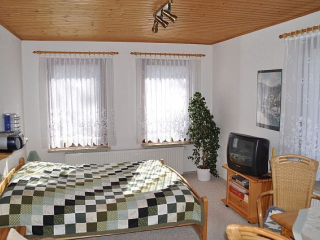 Ferienhaus Kahl Wohn-Schlafbereich