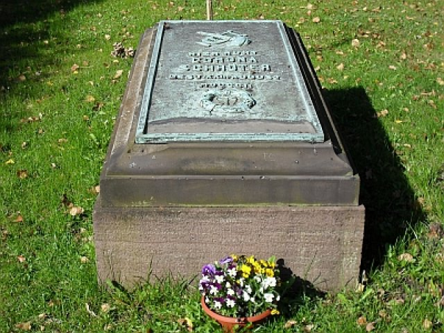 Grab von Corona Schröter