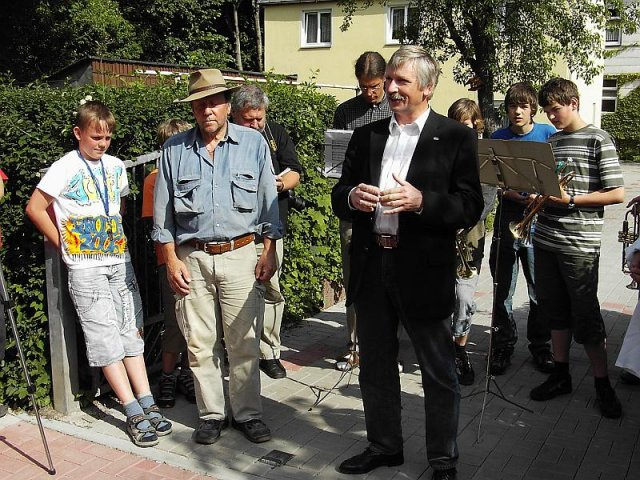 Verlegung der Stolpersteine im Jahr 2007 - Prof. Peter Scharff, Rektor der TU Ilmenau