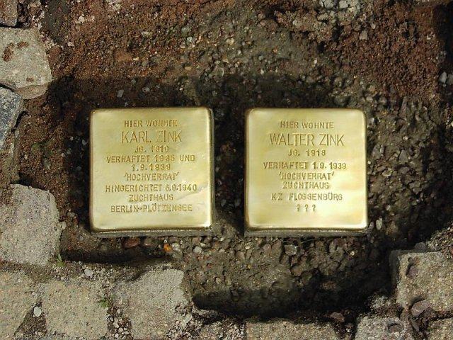 Verlegung der Stolpersteine im Jahr 2010 - vor der Pfortenstraße 21