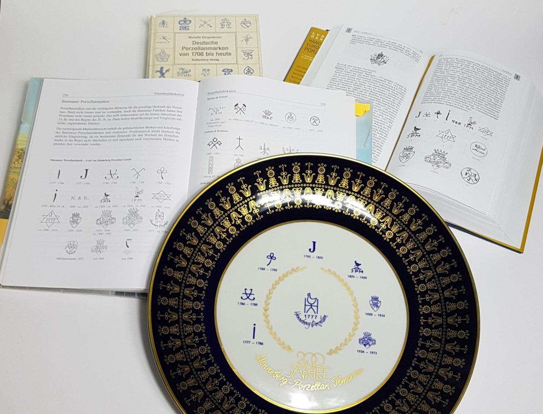 Teller mit Ilmenauer Porzellanmarken