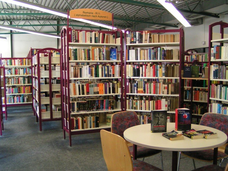 Bibliothek Erwachsenenbereich