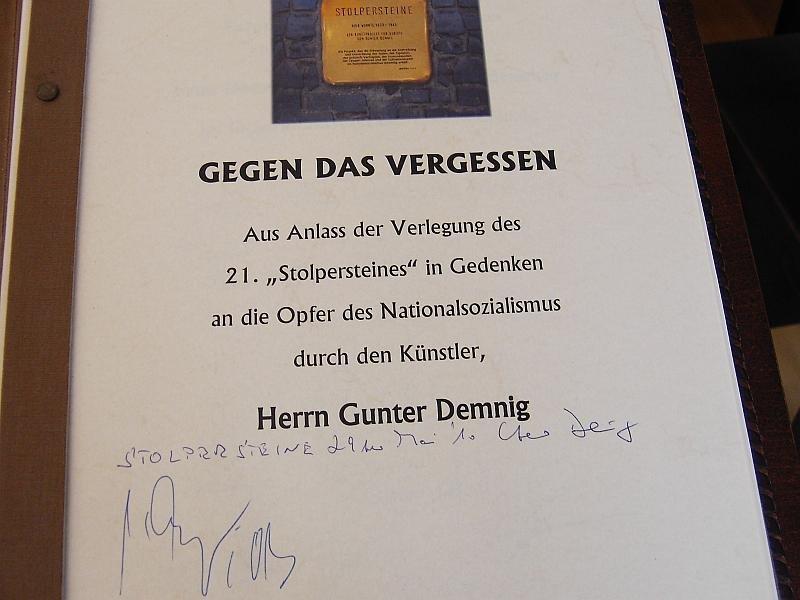 Verlegung der Stolpersteine im Jahr 2010 - Eintrag im Ehrenbuch der Stadt Ilmenau